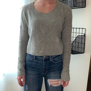 Urban Outfitters Grey Cropped Sweater Size Small